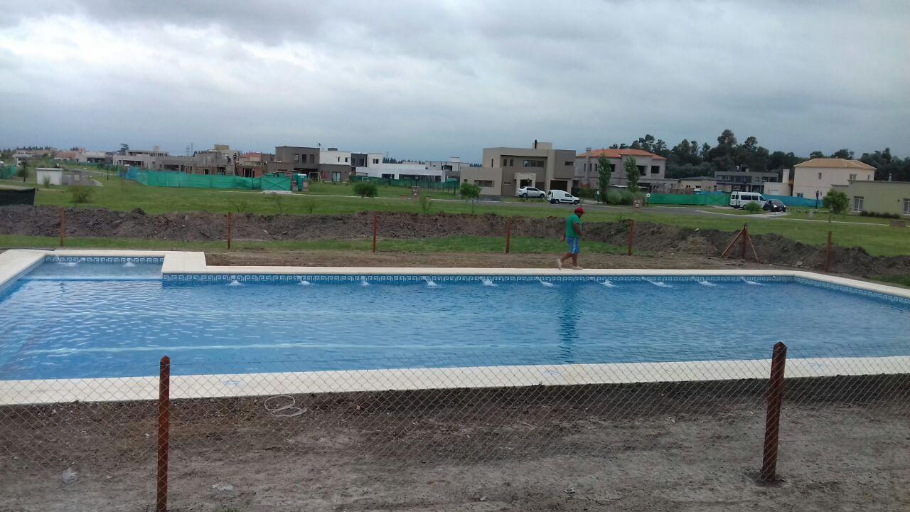 Mar piscinas en canning ezeiza piscinas en quilmes zona sur - Tamanos de piscinas ...