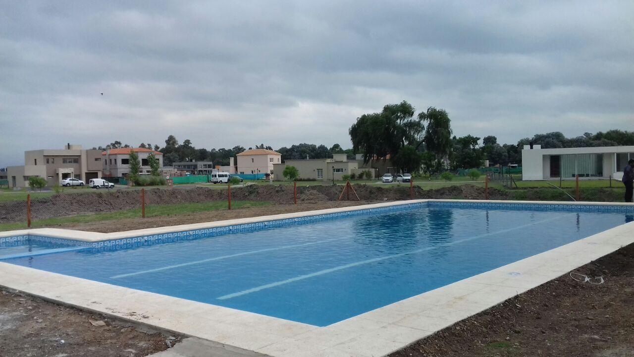 Mar piscinas en canning ezeiza piscinas en quilmes zona sur for Hacemos piscinas